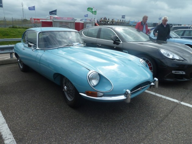 Jaguar E-type S2 2+2