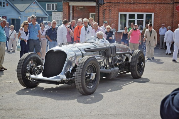 Brooklands: The right crowd and no crowding…