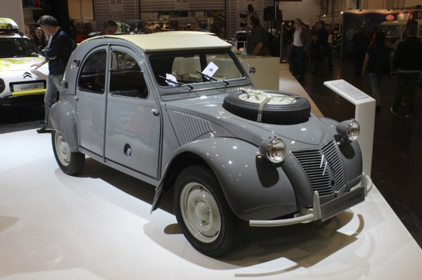 Techno Classica 2015 - Citroën 2CV Sahara